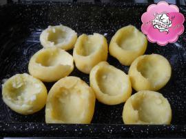 Cartofi umpluti cu pui si ciuperci